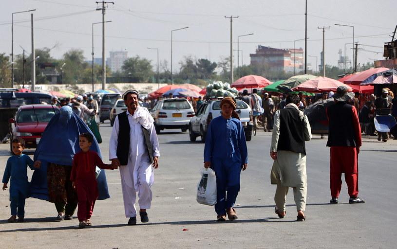 Tysiące ludzi wciąż czekają na ewakuację z Afganistanu /STRINGER /PAP/EPA