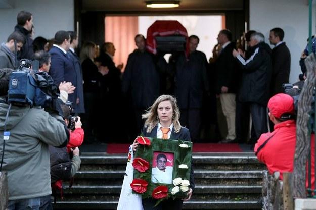 Tysiące Portugalczyków oddało ostatni hołd Eusebio /TIAGO PETINGA /PAP/EPA