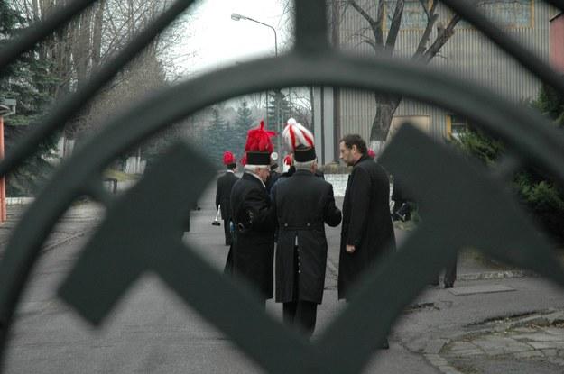Tysiące pracowników opuszczą śląskie kopalnie... /Bartłomiej Barczyk /Agencja Gazeta