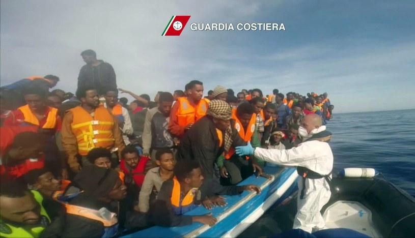 Tysiące uchodźców po raz kolejny próbowały przedostać się do Europy /PAP/EPA