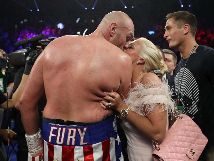Tyson Fury i jego żona Paris /Steve Marcus /Getty Images
