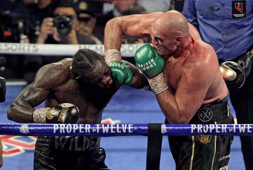 Tyson Fury łatwo poradził sobie z Deontayem Wilderem /AFP