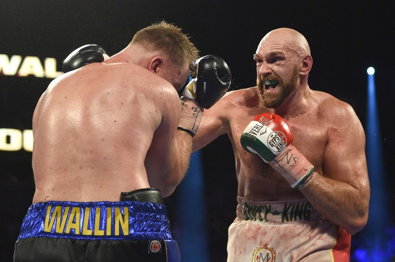 Tyson Fury w pojedynku z Otto Wallinem /AFP