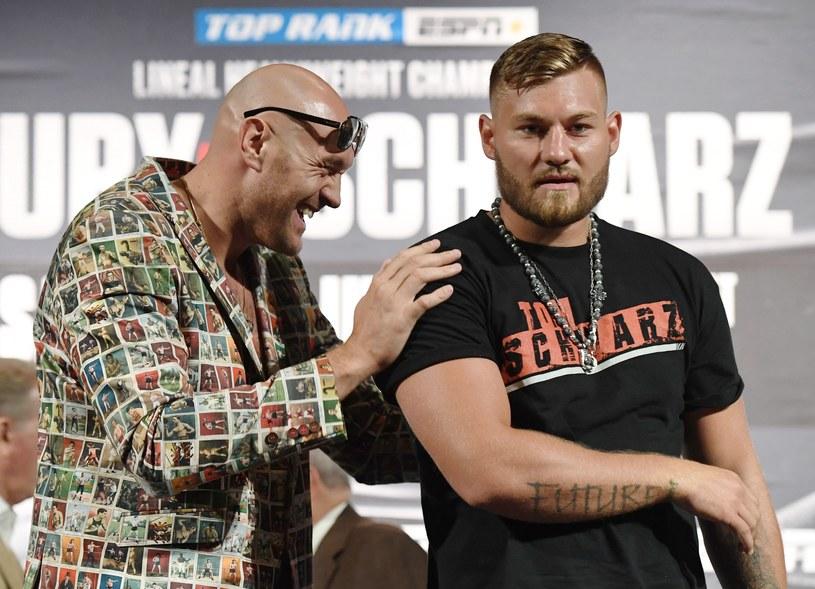 Tyson Fury (z lewej) i Tom Schwarz /AFP