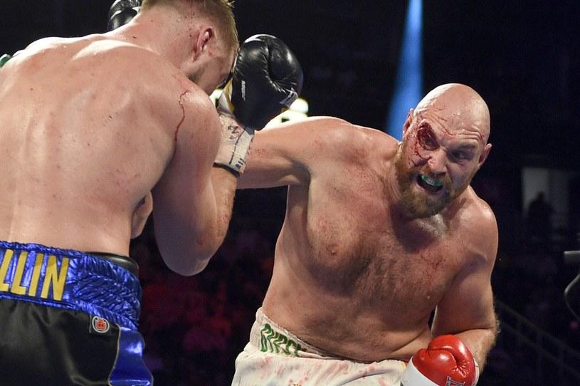 Tyson Fury (z prawej) w niedawnym pojedynku z Otto Wallinem /AFP