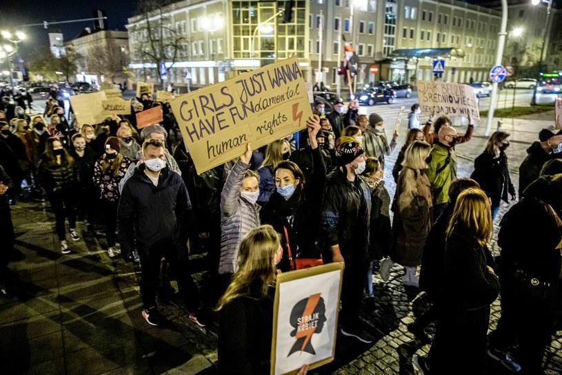 Tzw. czarny spacer w Białymstoku /Wojciech Wojtkielewicz /East News