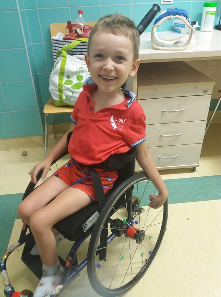 U Emila zdiagnozowano rdzeniowy zanik mięśni (SMA) /materiały prasowe