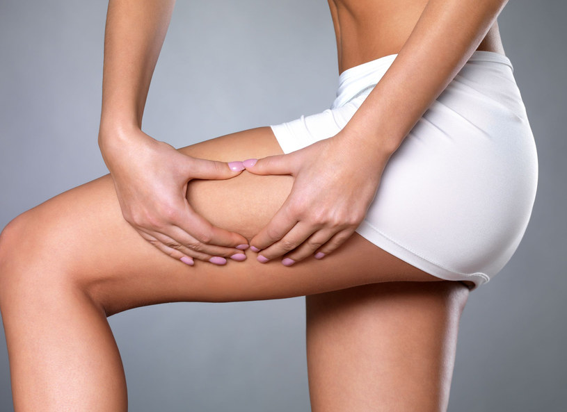 U kobiet bardzo dużo komórek macierzystych kryje się w fałdkach tłuszczu /123RF/PICSEL