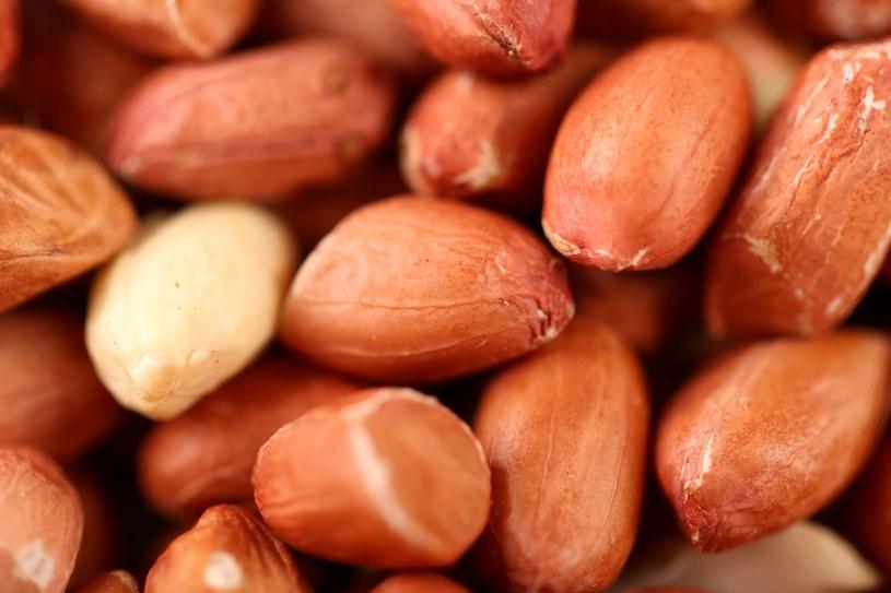 U osób jedzących pestki, orzechy i warzywa objawy astmy z czasem słabły /123RF/PICSEL