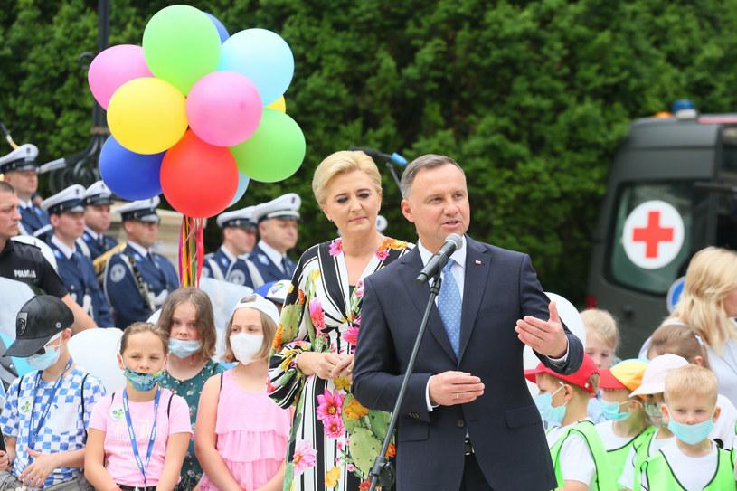 """""""U prezydenta Dudy za to rzucają się w oczy przykrótkie marynarki"""" /Pawel Wodzynski/East News /East News"""