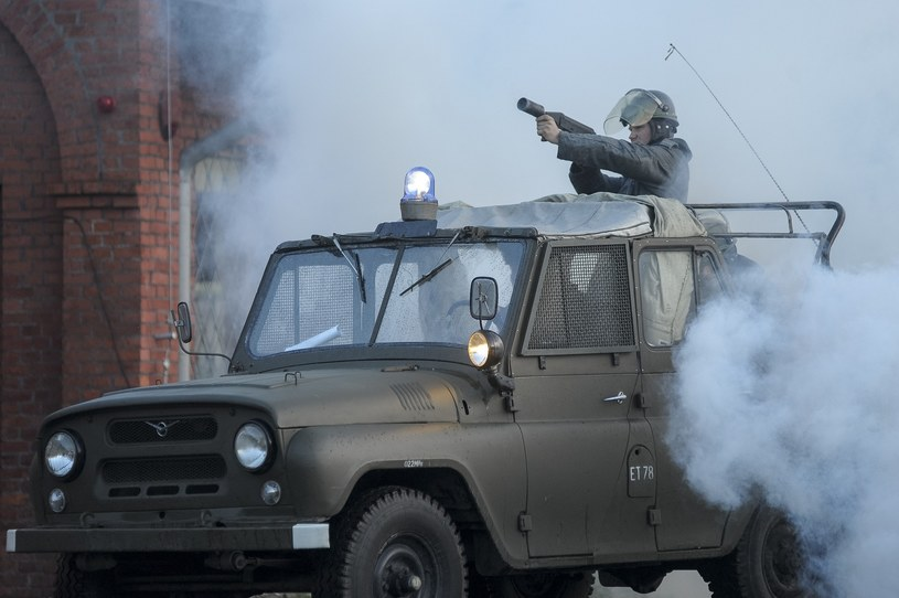 UAZ-y wykorzystywane były między innymi przez ZOMO jako platformy do wyrzutni granatów łzawiących /Wojciech Stróżyk /East News