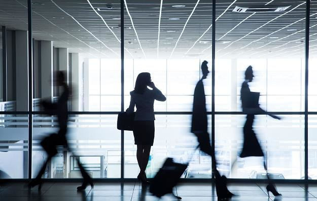 Ubezpieczenie pracownika w podróży nie zwiększa jego przychodów /©123RF/PICSEL