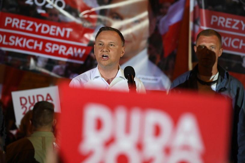 Ubiegający się o reelekcję prezydent Andrzej Duda podczas spotkania z mieszkańcami Gorlic /Darek Delmanowicz /PAP