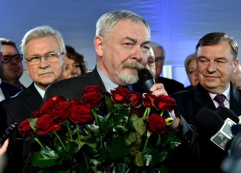 Ubiegający się o reelekcję prezydent Krakowa prof. Jacek Majchrowski podczas swojego wieczoru wyborczego /Jacek Bednarczyk /PAP