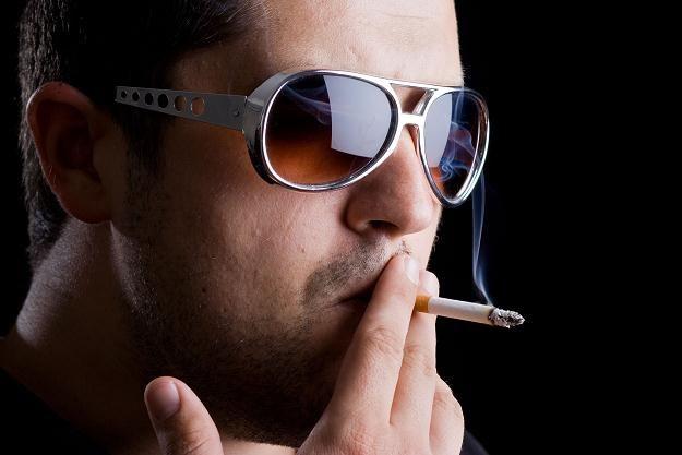 Ubiegły rok przyniósł kolejny spadek sprzedaży papierosów z banderolą /©123RF/PICSEL
