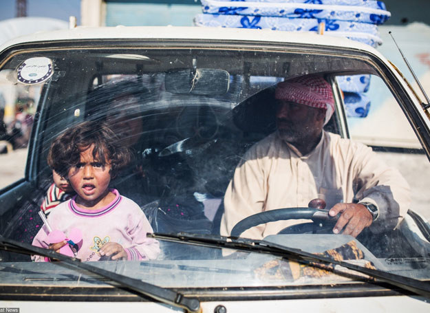 Uchodźcy często przekraczają granice samochodami. Zdjęcie ilustracyjne /Uygar Onder Simsek /East News