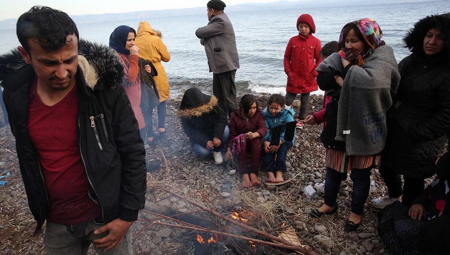 Uchodźcy na Lesbos /ORESTIS PANAGIOTOU /PAP/EPA