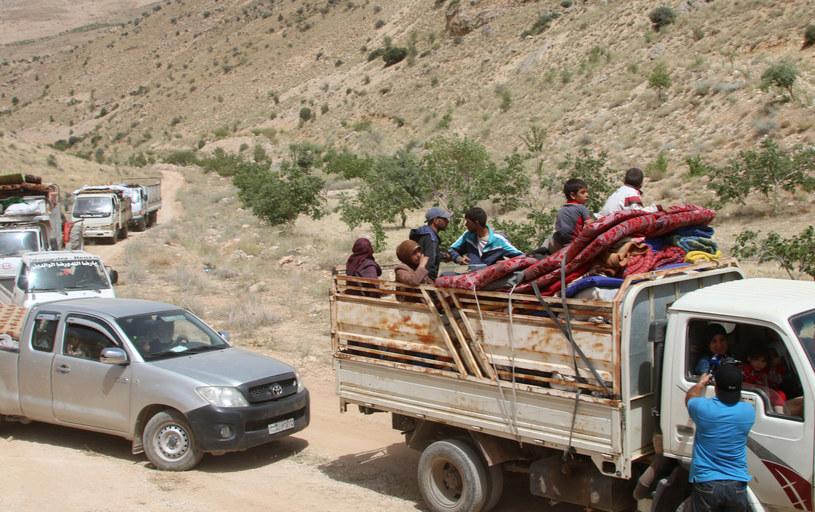 Uchodźcy opuszczają obozy w Libanie /AFP