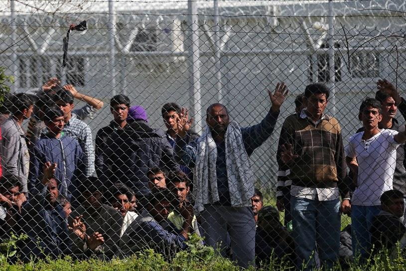 Uchodźcy protestują na Lesbos /ORESTIS PANAGIOTOU /PAP/EPA