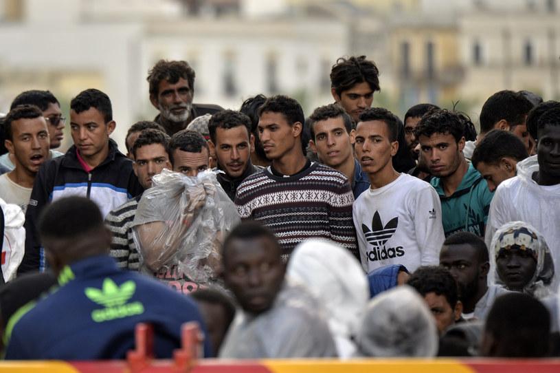 Uchodźcy szukają alternatywnych dróg do UE /ANDREAS SOLARO /AFP