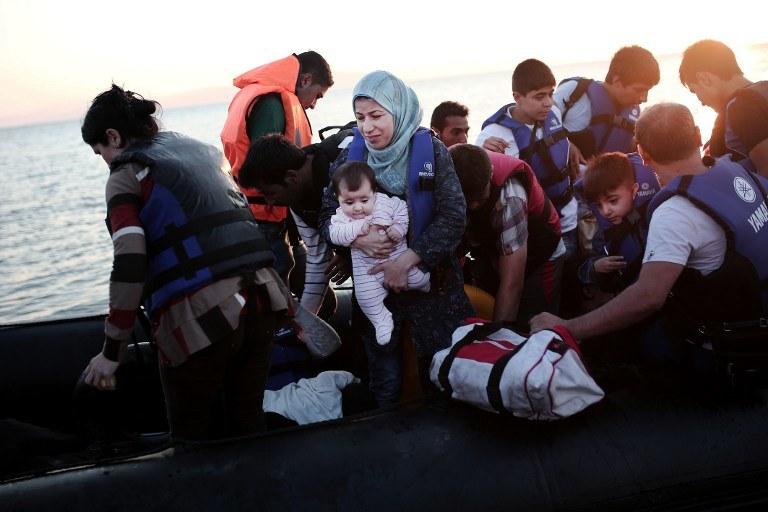 Uchodźcy u brzegu wyspy Kos, zdj. ilustracyjne /ANGELOS TZORTZINIS / AFP  /AFP