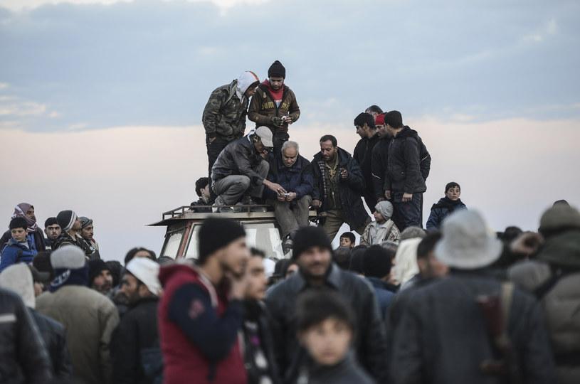 Uchodźcy uciekają z Aleppo /AFP