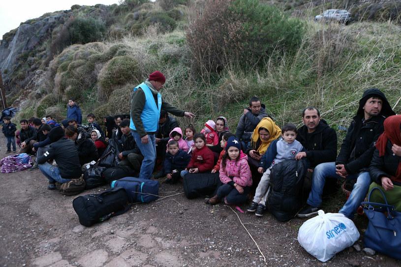 Uchodźcy z Afganistanu przebywający w Grecji /Marios Lolos/Xinhua News /East News