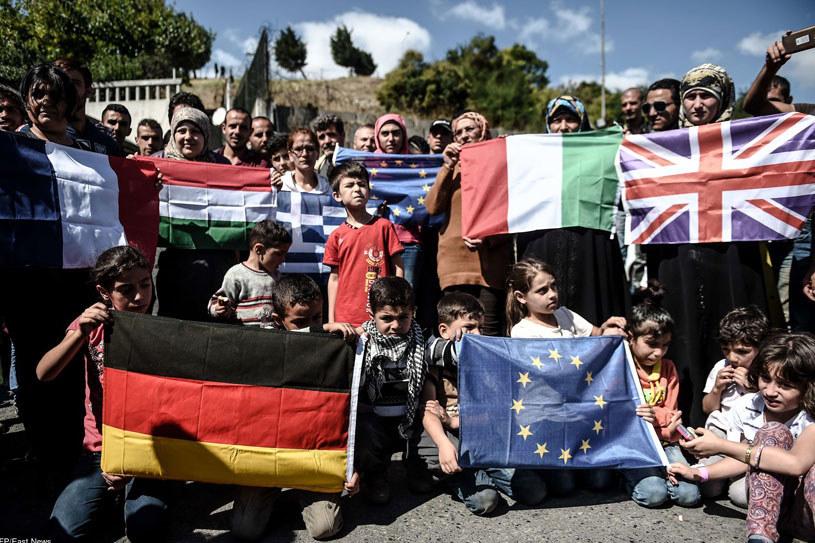 Uchodźcy z Libii chcą dostać się, przez Bliski Wschód, do Europy/ Na zdjęciu uchodźcy w Turcji, 19.09.2015 /AFP /East News