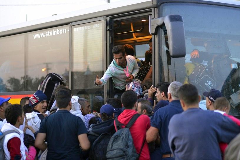 Uchodźcy, zdj. ilustracyjne /EDVARD MOLNAR /PAP/EPA