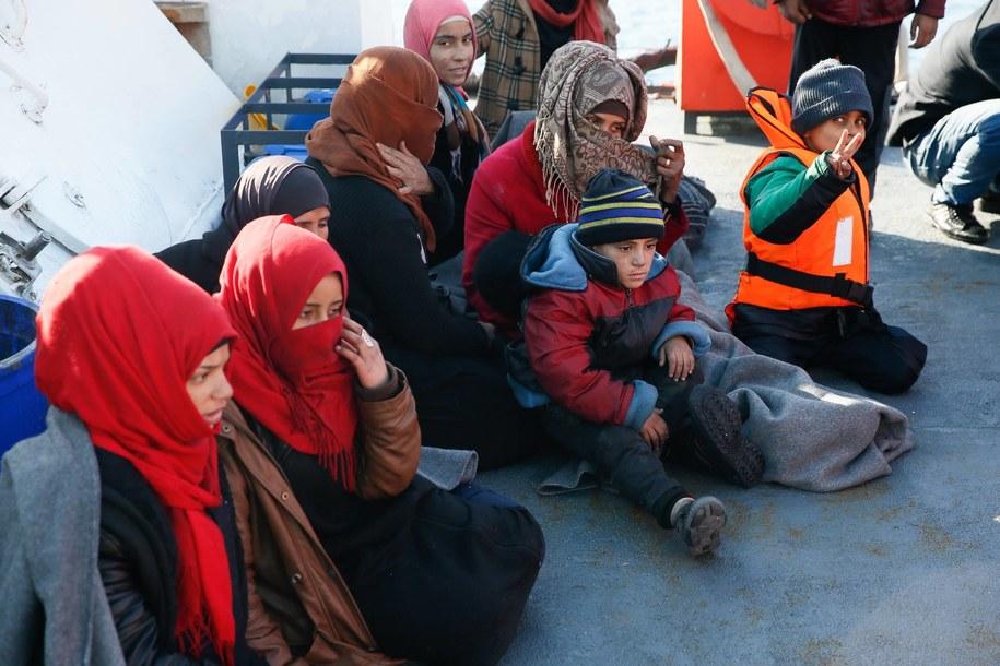 Uchodźcy, zdj. ilustracyjne /AA/ABACA /PAP/EPA