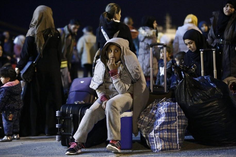 Uchodźcy /YANNIS KOLESIDIS /PAP/EPA