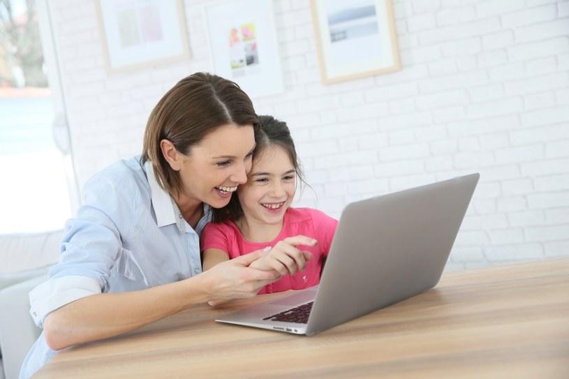 Ucz dziecko, jak korzystać z sieci /©123RF/PICSEL