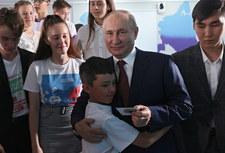 Uczeń wytknął błąd i poprawił Władimira Putina. Został skarcony