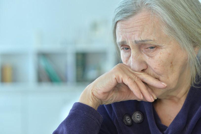 Uczeni dowiedli, że nudna praca zwiększa ryzyko demencji na emeryturze /123RF/PICSEL