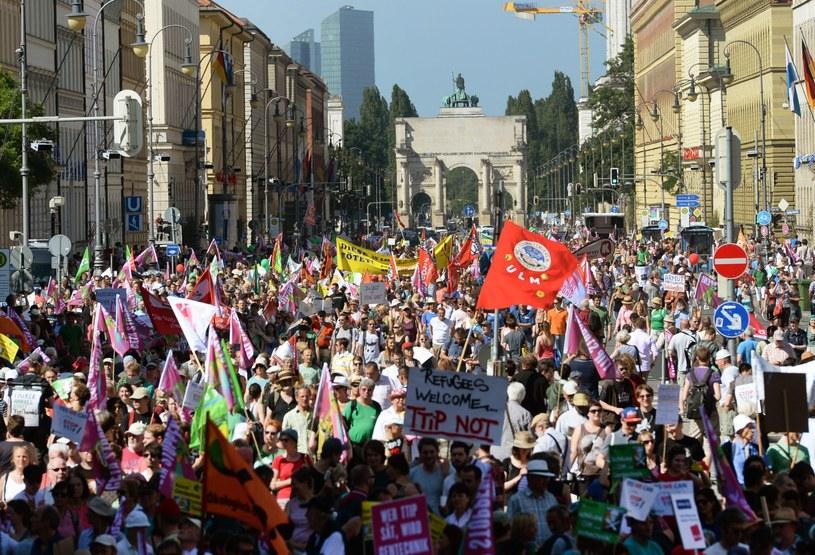 Uczestnicy demonstracji /SVEN HOPPE /PAP/EPA