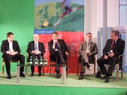 Uczestnicy konferencji podczas dyskusji. /Informacja prasowa