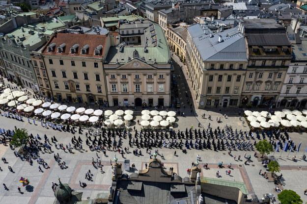Uczestnicy krakowskiej procesji z okazji Bożego Ciała //Łukasz Gągulski /PAP