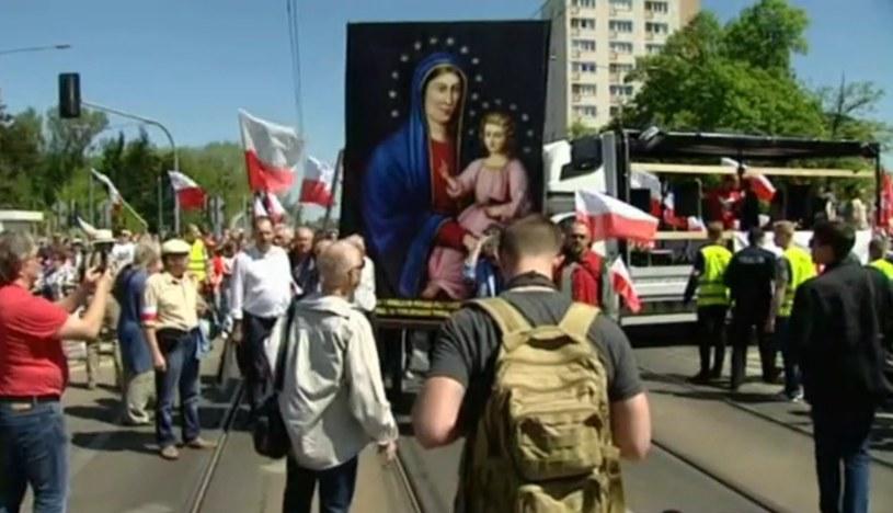 "Uczestnicy manifestacji ""Odwagi, Polsko!"" /TVP Info /"