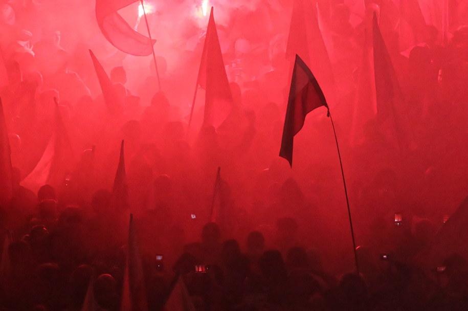 """Uczestnicy marszu """"Dla Ciebie Polsko"""" w Warszawie /Paweł Supernak /PAP"""