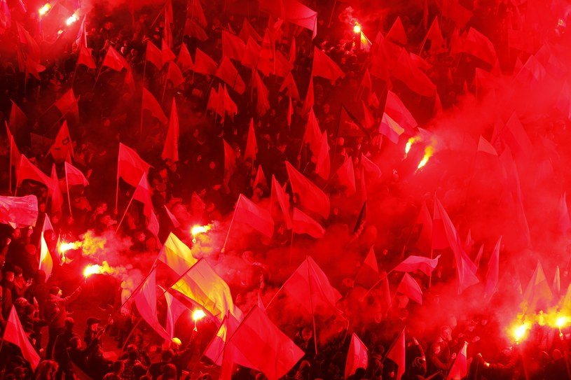 Uczestnicy Marszu Niepodległości 2017 /Stefan Maszewski /Reporter