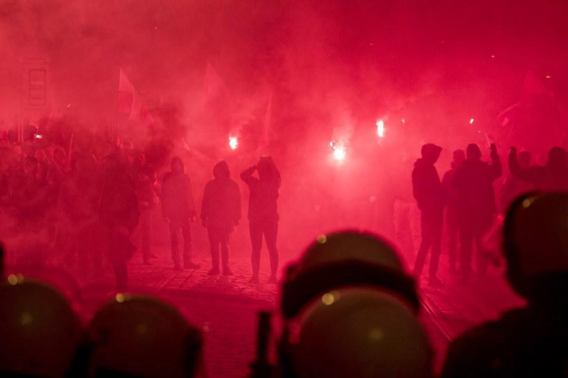 Uczestnicy Marszu Niepodległości we Wrocławiu /Aleksander Koźmiński /PAP