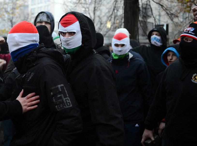 """Uczestnicy """"Marszu Niepodległości"""" /Janek Skarżyński /AFP"""