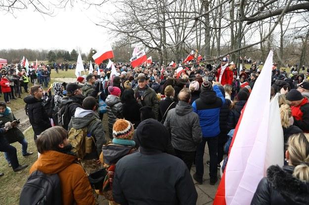 """Uczestnicy """"Marszu o Wolność"""" /Rafał Guz /PAP"""