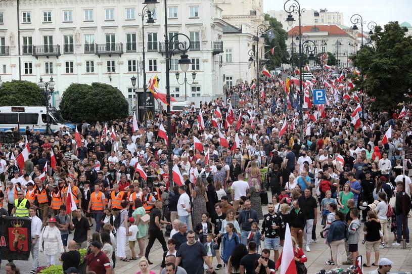 Uczestnicy Marszu Powstania Warszawskiego /PAP/Wojciech Olkuśnik /PAP