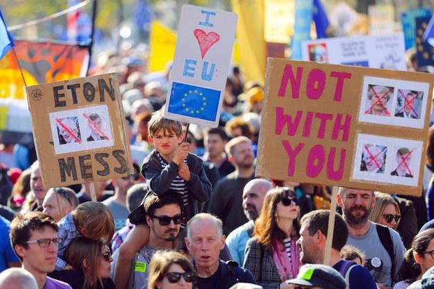 Uczestnicy marszu /VICKIE FLORES /PAP/EPA
