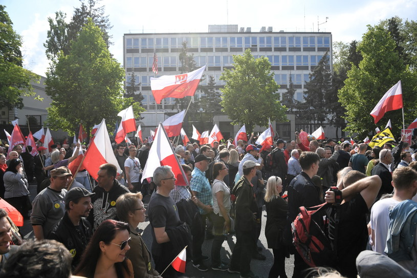 Uczestnicy marszu / Radek Pietruszka   /PAP