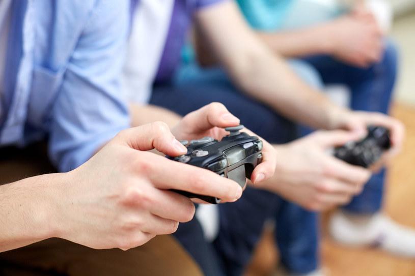 """Uczestnicy panelu """"Gaming made in Poland"""" na Forum Ekonomicznym odpowiedzą na pytanie, czy polski sektor gier online stał się już wizytówką naszego kraju? /123RF/PICSEL"""