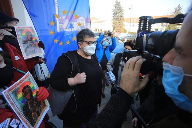 Uczestnicy pikiety przed siedzibą Sądu Rejonowego w Płocku /Szymon Łabiński /PAP