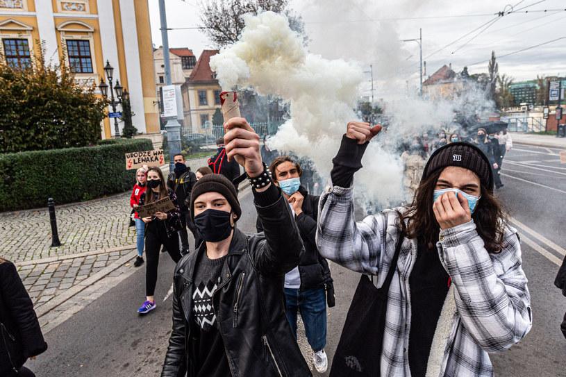 Uczestnicy protestu przeciwko orzeczeniu TK w sprawie aborcji /Krzysztof Kaniewski/REPORTER /Reporter