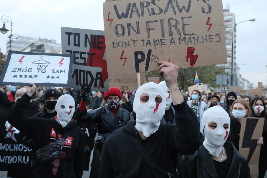 Uczestnicy protestu w Warszawie /Paweł Supernak /PAP